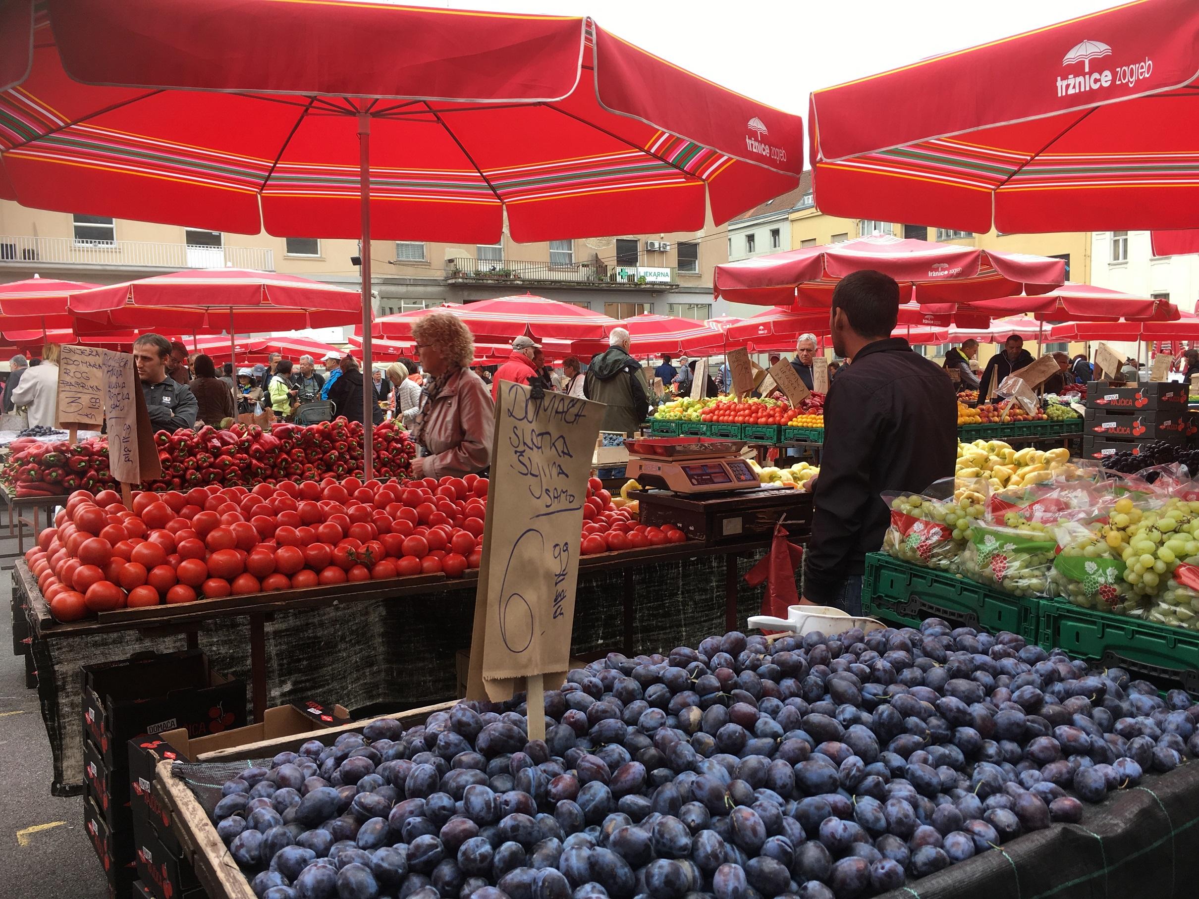 zagreb market fruit